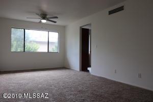 1366 S Avenida Polar, G-202, Tucson, AZ 85710