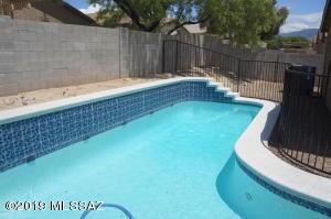10013 E Rocky Wash Drive, Tucson, AZ 85748