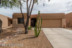 8522 N Sunny Rock Ridge Drive, Tucson, AZ 85743