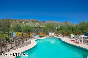 3693 E Esperero Canyon Place, Tucson, AZ 85718