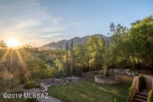 6181 N Canon Del Pajaro, Tucson, AZ 85750