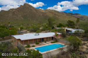 622 E Mountain Sunrise Place, Tucson, AZ 85704