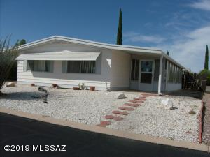 270 W Pinon Drive, Green Valley, AZ 85614