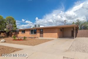 4842 N Calle Harmonia, Tucson, AZ 85705