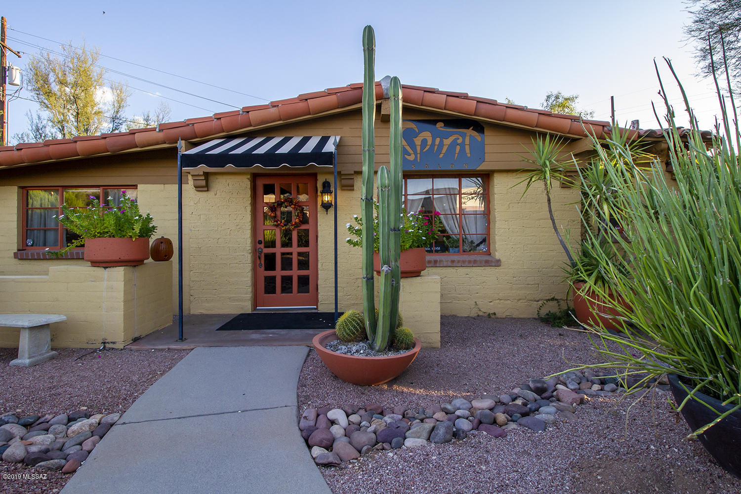 Photo of 6584 N Oracle Road, Tucson, AZ 85704