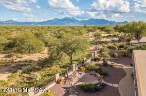 570 N Alexis Loop, Green Valley, AZ 85614