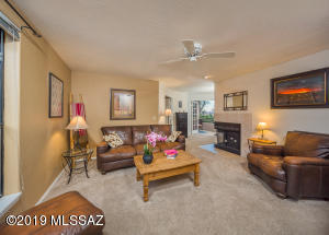 6655 N Canyon Crest Drive, 1204, Tucson, AZ 85750