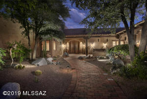 Welcome to one of a kind gentlemen's ranch in sought after La Cienega subdivision on 3.6 acres.