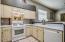 Nice kitchen set up..