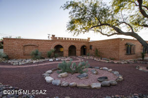 Easy care desert landscaping
