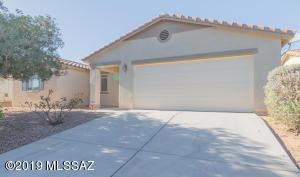 68 W Via Costilla, Sahuarita, AZ 85629