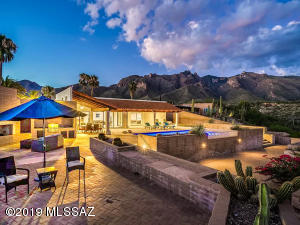 6802 N Table Mountain Road, Tucson, AZ 85718