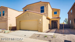 Photos are of Bingham spec home. Interior packages and exterior elevation and colors may vary.
