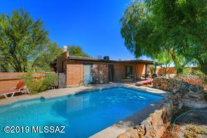 3925 W Mossman Road, Tucson, AZ 85746