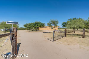 200 Silver Sky Place, Green Valley, AZ 85614