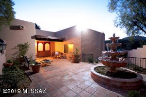 6081 E Calle Ojos Verde, Tucson, AZ 85750