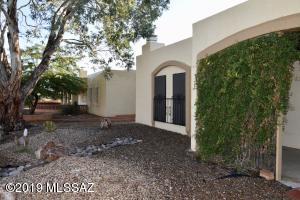 2035 S San Ray Drive, Green Valley, AZ 85614