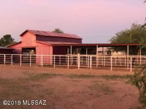 9842 N McGinnis Road, Marana, AZ 85653