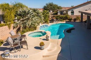 727 N Pebbles Ridge Drive, Green Valley, AZ 85614