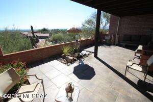 5418 N Arroyo Grande Circle, Tucson, AZ 85718