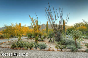 5435 N Vía Entrada, Tucson, AZ 85718