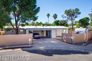 8640 E Toronto Place, Tucson, AZ 85730