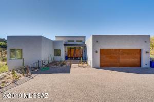 7573 N Camino Sin Vacas, Tucson, AZ 85718