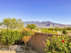 5513 S Pinkley Peak Drive, Green Valley, AZ 85622