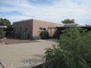 148 E El Membrillo, Green Valley, AZ 85614