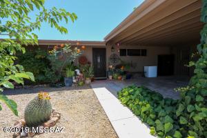 1701 S Regina Cleri Drive, Tucson, AZ 85710