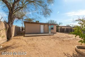 2725 N Cortez Place, Tucson, AZ 85705