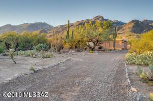 6010 N Via Tres Patos, Tucson, AZ 85718