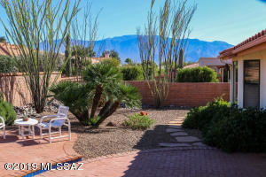 Your Peaceful Patio with Catalina Mountain Views and Extended Patio Await!