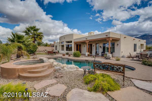 11157 N Pusch Ridge Vistas Drive, Oro Valley, AZ 85737