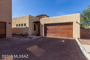 3069 N Presidio Park Place, Tucson, AZ 85716