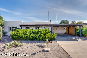 150 E Los Mangos, Green Valley, AZ 85614