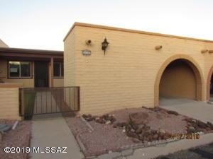 1384 W Aztec Court, Green Valley, AZ 85614