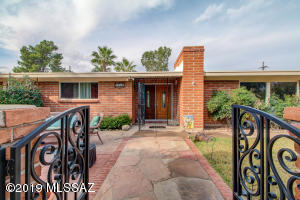 7131 N Pampa Place, Tucson, AZ 85704
