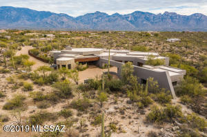 1.39 Acre Saguaro Studded Mountain Views