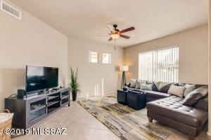 2550 E River Road, 1204, Tucson, AZ 85718