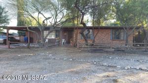 6830 E Koralee Street, Tucson, AZ 85710