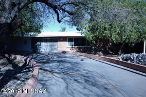 2031 E La Madera Drive, Tucson, AZ 85719