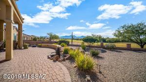 2144 E Spurwind Lane, Green Valley, AZ 85614