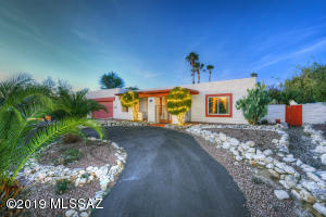 River View Estates 3 BR / 2 BA with pool and large private lot