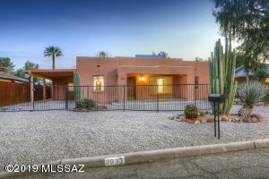 2633 E Croyden Street, Tucson, AZ 85716