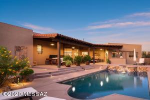 Hacienda Oasis in the Tucson Foothills