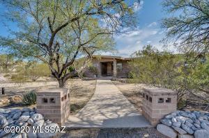 3222 N Cottontail Circle, Tucson, AZ 85749
