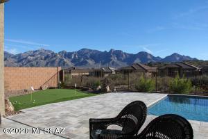 360 E Day Flower Drive, Oro Valley, AZ 85755