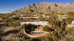 1200 E Silvertree Drive, Tucson, AZ 85718