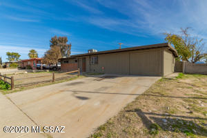 6402 N Camino De La Tierra, Tucson, AZ 85741